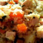 Kuskus z warzywami i wędzonym kurczakiem