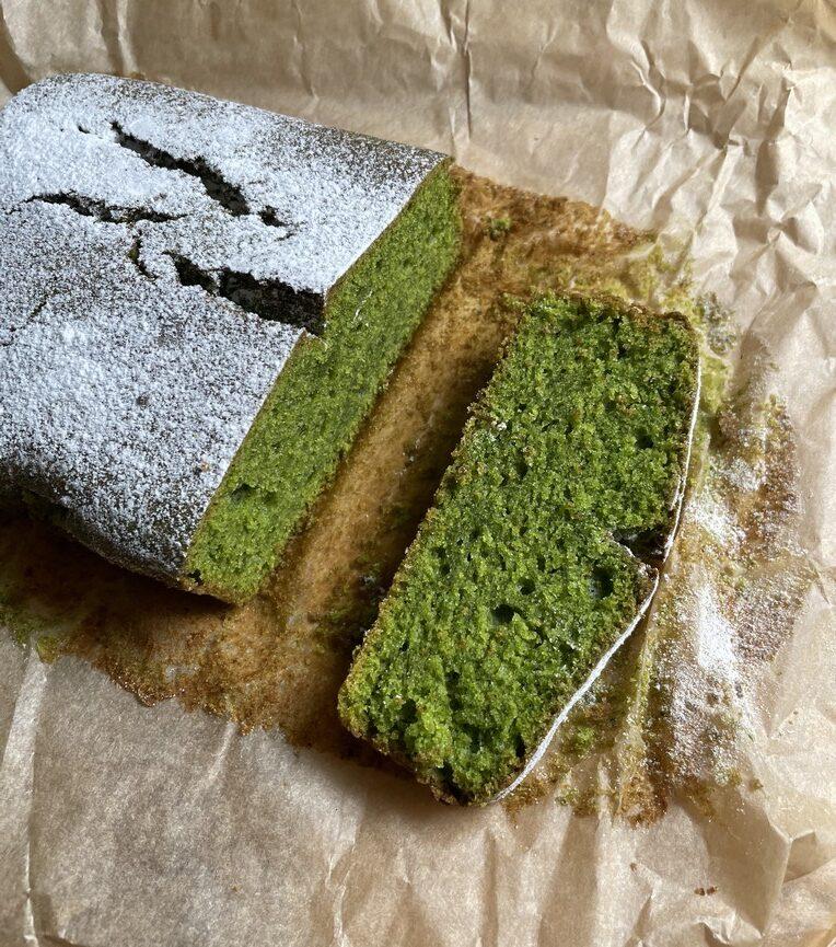 Zielony biszkopt ze szpinakiem